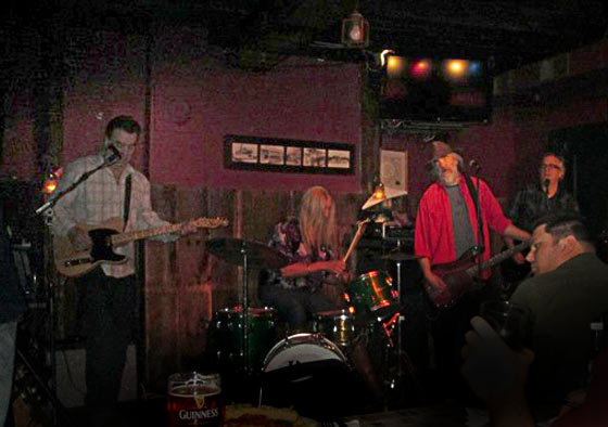 Nippertown-Catbirds-AleHouse-Jan2013